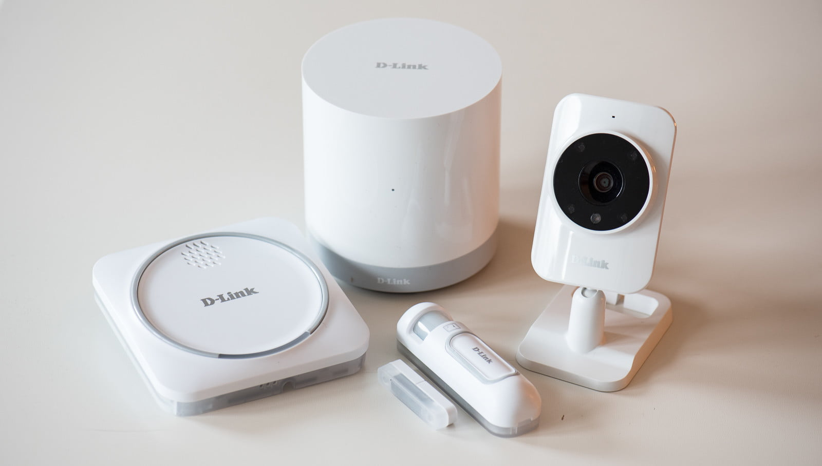 d link smart home security kit l s allt hos. Black Bedroom Furniture Sets. Home Design Ideas